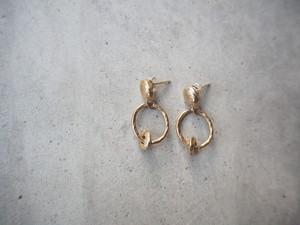 gold ring pierce