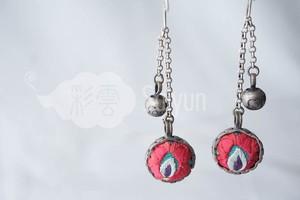 イ族の刺繍とミャオ銀細工のシルバーボールピアス(ロング)