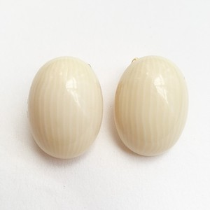 cream oval earring[e-782]