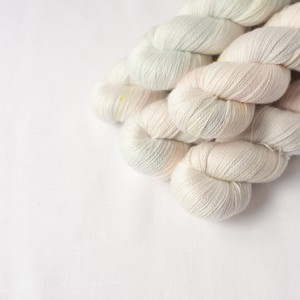 ひらりひらりと (Merino silk Lace)