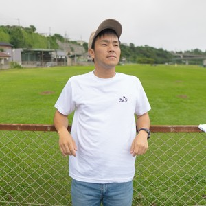 003 Waik with Football Tシャツ