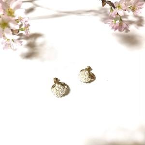淡水パールのお花イヤリング