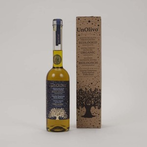 Un olivo オリーブオイル