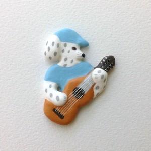 ギター犬 ブローチ
