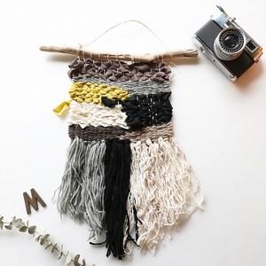 kobalyさんの毛糸やハギレで織るオリジナルタペストリー