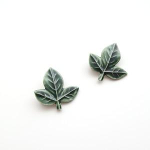 葉っぱのブローチ