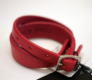 OILED COW LEATHER WRAP BRACELET RED