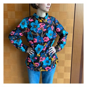 60's-70's vintage floral roll-neck collar blouse