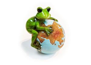 ペーパーウェイト カエルオブジェ 地球と蛙