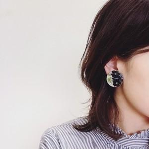 【終了】(大)ネモフィラのバイカラー耳飾り