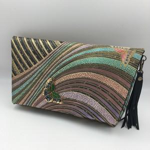 波間に蝶のワンポイントビーズ刺繍クラッチバッグ 着物(帯)リメイク