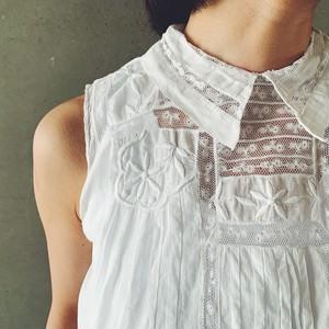 French sleeveless blouse