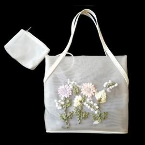 立体花模様のメッシュバッグ