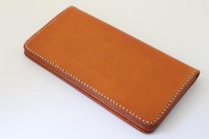 イタリアンレザーの長財布 ロングウォレット エルバマット使用