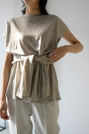 ERiKOKATORi / backless linen T-shirts (beige)