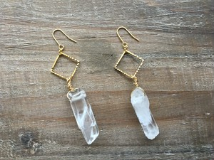 Square×Crystal earrings