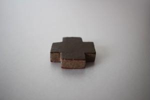 辻本路|箸置き 太クロス 茶色