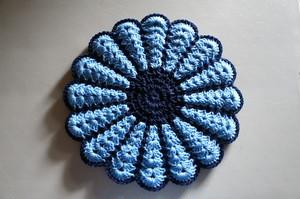 お花のフワフワ円座*blue blue