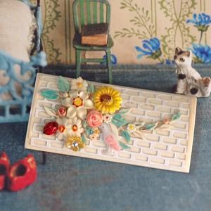s004 鳥がいるお花のブローチ(帯飾り)