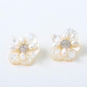 人気商品)flower shell ピアス【P-002】