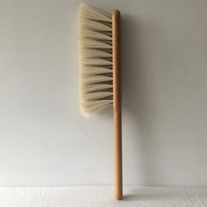 Iris Hantverk / hand brush goat hair / white