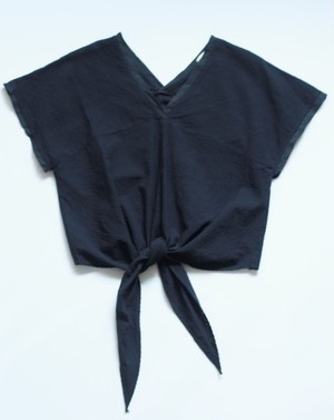 "A. Dupré ""Front ribbon V-neck top"""