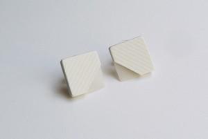 □SEER PIERCE / EARRING【WHITE】
