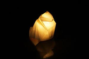 手漉き和紙のおすわりネコ 白(生成)