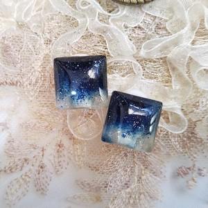 【藍染め布】スクエア型ひとつぶイヤリング(15mm)