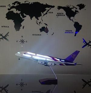 送料無料 タイ航空A380 模型飛行機 LED点灯 1/160 スタンド付