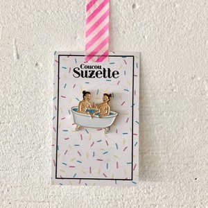 Coucou Suzette BATHTUB PIN