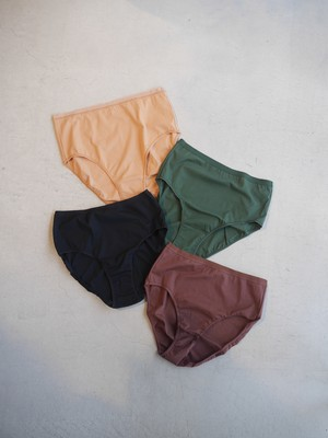 OVERNEATH / SMOOTH (Briefs / 008)