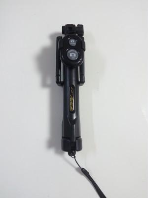 自撮り棒 三脚 リモートシャッター Bluetooth スマホホルダー コンパクト 【ブラック】oyab003