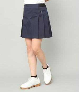 ロゴテープ使いボックスプリーツスカート