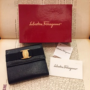 -dead stock- Ferragamo vara leather wallet