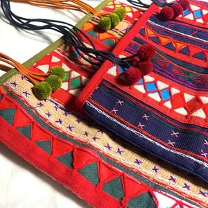 タイの刺繍バッグ