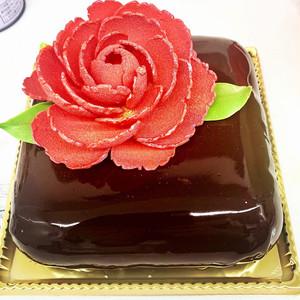 花のチョコレートケーキ4号(2~4名様分)