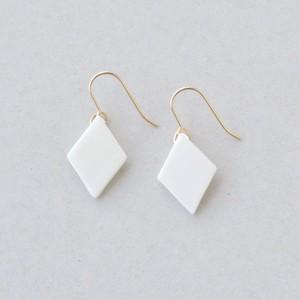 HatoKumo / 白磁のピアス・ダイヤプレート