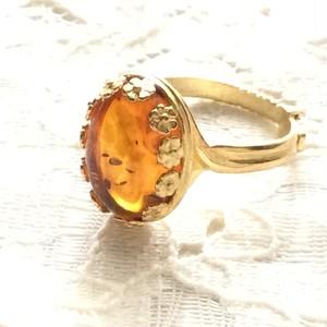 琥珀のリング~太古の樹液が固まってできました。〜フリーサイズでクラシカルデザイン