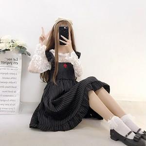 【セットアップ】ファッションキュート春夏秋透かし彫りトップス+ストライプ柄スカートセットアップ