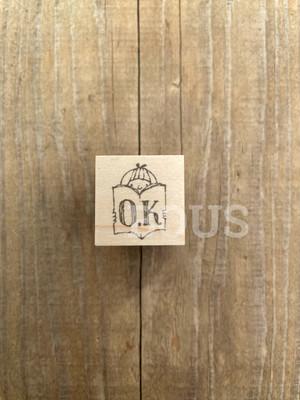 BOUSスタンプ O.K*女の子と本。