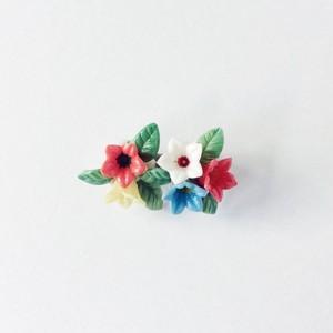 ヴィンテージブローチ 色とりどりの花