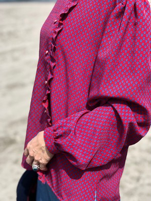 blouse / dot red