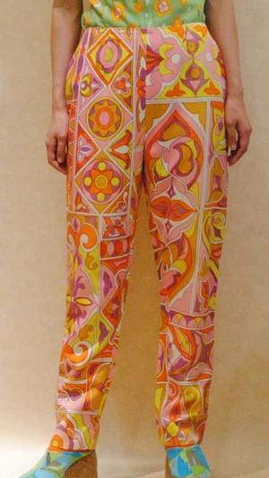 M~XLサイズ【アメリカ製古着】1970年代ヴィンテージ◆ピンク系のサイケ調プリント◆ロングパンツ