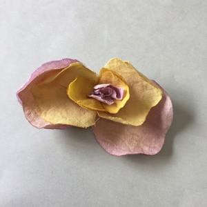 花守り フラワーブローチ