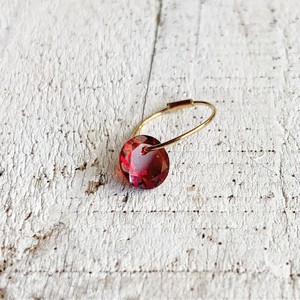Brilliant cut garnet 18K Gold earring