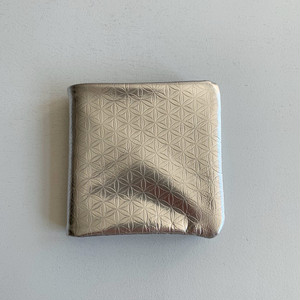 【COSMIC WONDER】Silver and light leather bifold wallet /12CW83084-2