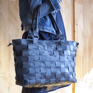 ビッグトート / ソファのシート革製 / 編み革 / メッシュレザー / ショルダー付レザートートバッグ/ 黒+黒