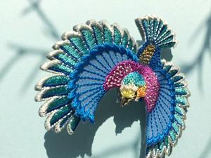 ARRO / 刺繍 ブローチ / Flying bird / blue