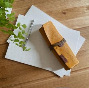 【袋果ロールペンケース / イエロー × スモーク】文房具・工具をスマートに収納